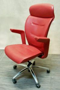 Кресло директора после перетяжки