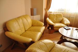 Перетяжка дивана кожей - фото
